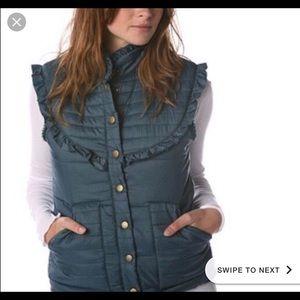 Navy puffer Free People vest!